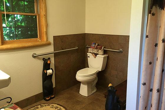 Bear Den Bathroom   Second Wind Country Inn, Ashland, WI