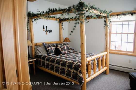 Bear Den Bedroom | Second Wind Country Inn, Ashland, WI
